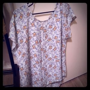 Tops - Womens large floral blouse